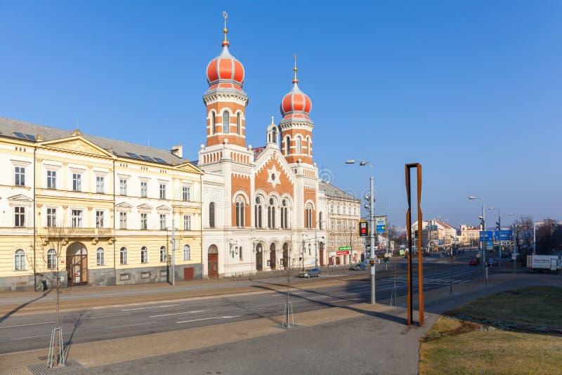 Pilsen Tjeckien - 02/21/2018: Stor synagoga royaltyfria bilder