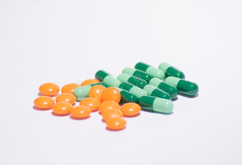 Pilule sur le fond blanc photo libre de droits