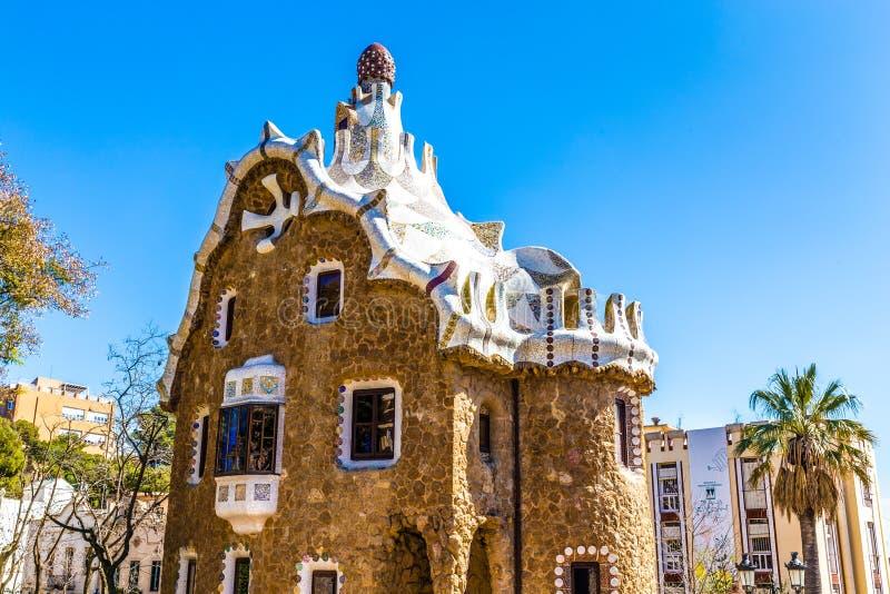 Pilz-geformter Haus-Park Guell, Barcelona, Spanien lizenzfreies stockbild