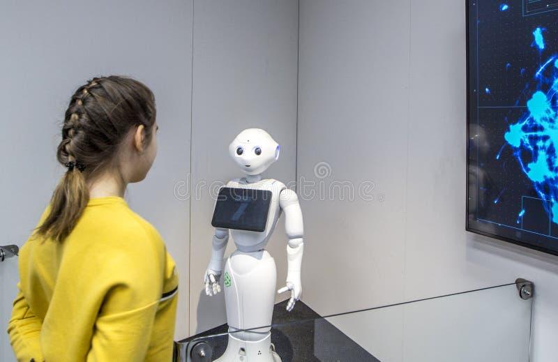 Pimenta do robô do Humanoid exibida no museu da ciência e da tecnologia Eureka em Helsínquia, Finlandia fotografia de stock royalty free