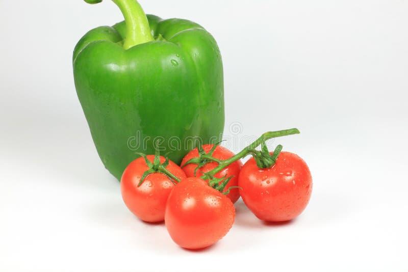 Pimenta verde de tomate de cereja imagens de stock royalty free