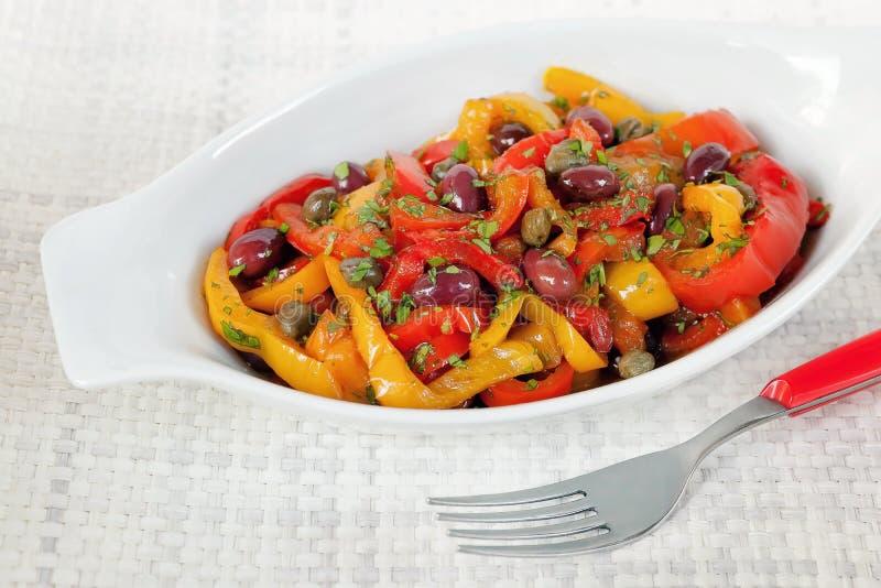 Pimentas com azeitonas e alcaparras fotos de stock