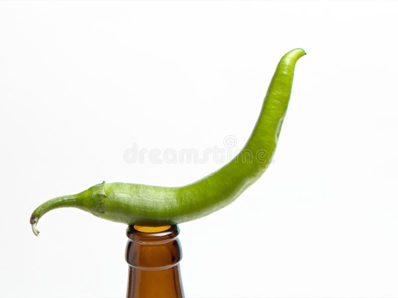 Download Pimentas De Pimentão Verdes Foto de Stock - Imagem de paprika, sino: 26521392