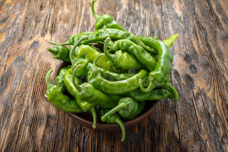 Pimentas verdes quentes foto de stock