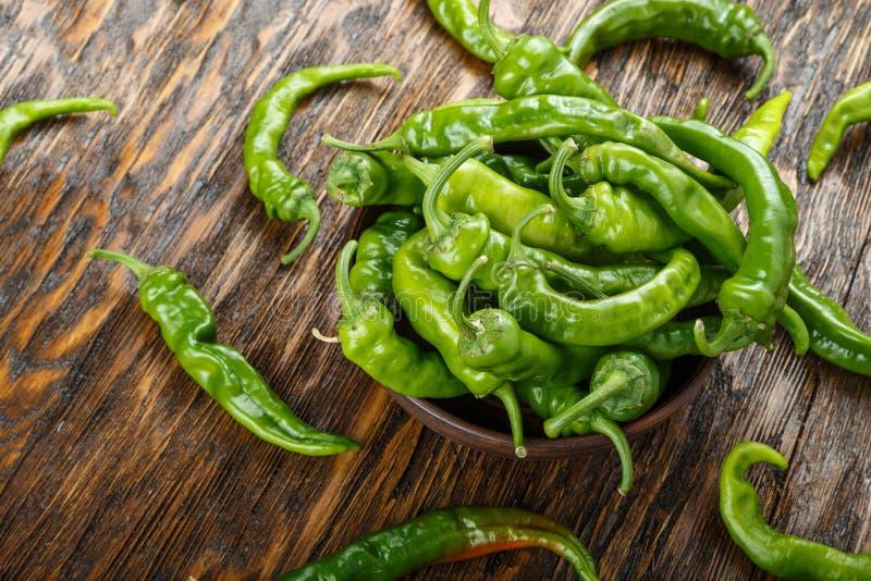 Pimentas verdes quentes imagens de stock