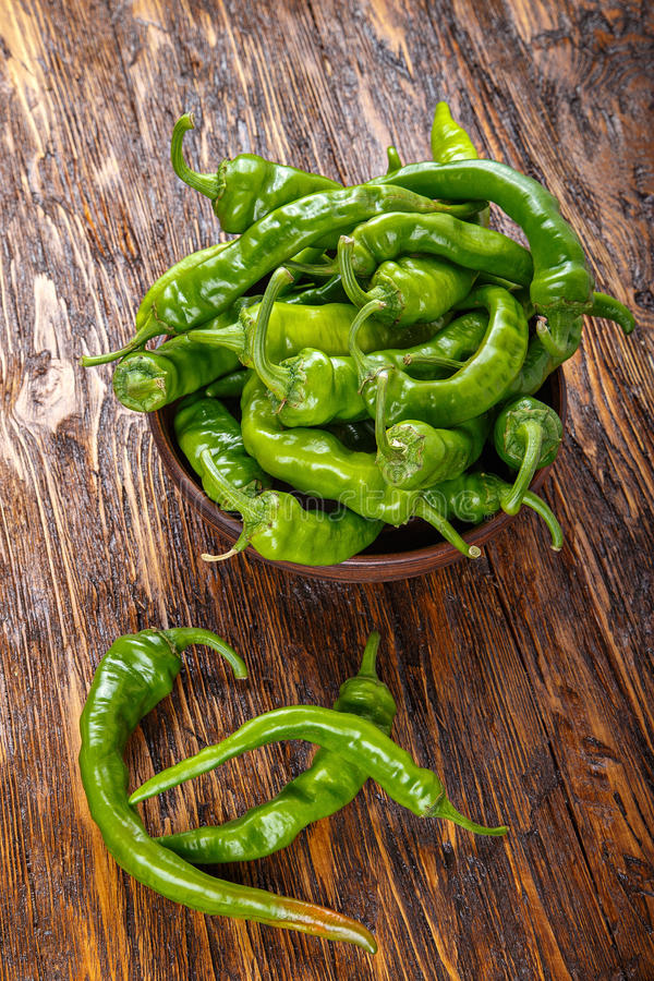 Pimentas verdes quentes fotografia de stock royalty free