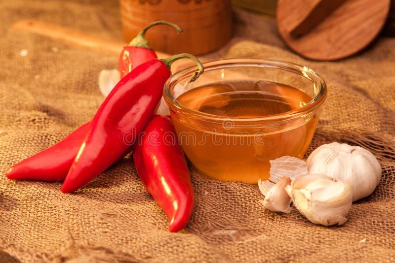 Pimienta, miel y ajo de Ramiro imagenes de archivo