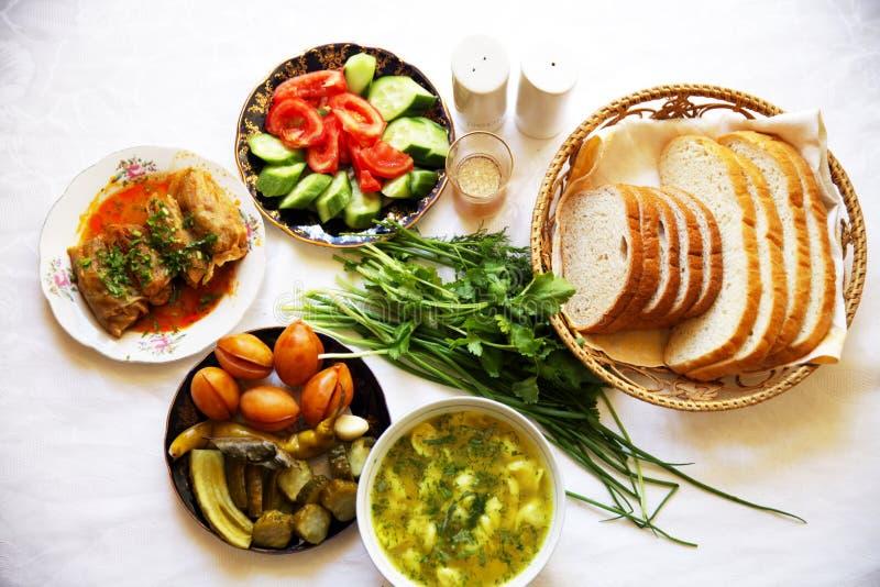 Pimienta tradicional asiática turca de la comida del Ramadán rellena con arroz y carne picadita fotos de archivo libres de regalías