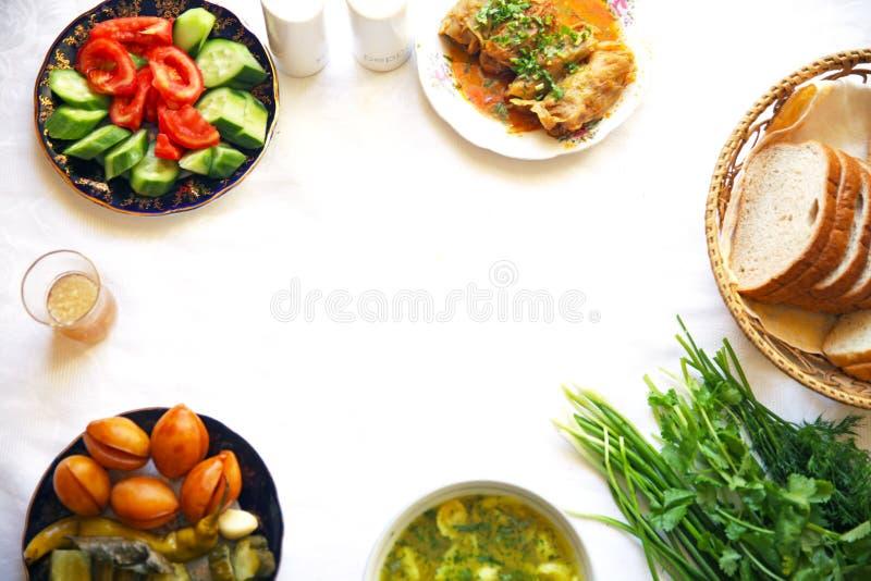 Pimienta tradicional asiática turca de la comida del Ramadán rellena con arroz y carne picadita imagen de archivo libre de regalías