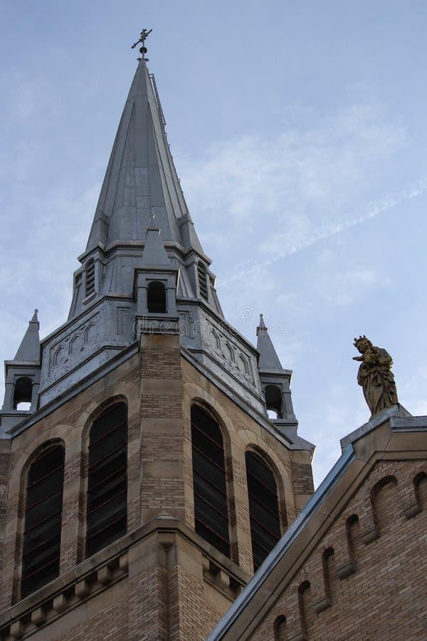 Pináculos santamente da igreja de Regina Canada da catedral do rosário fotos de stock