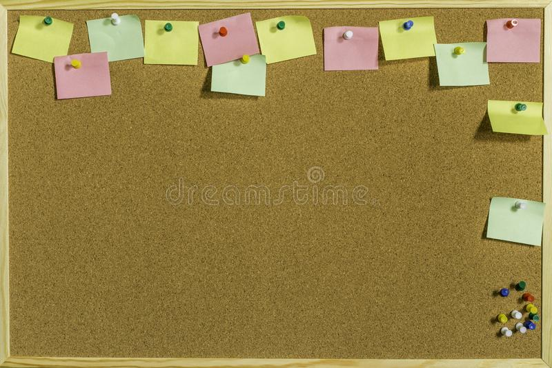 Pin Board With Space For colorido suas mensagens foto de stock royalty free