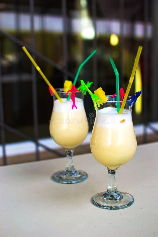 Pina Colada Cocktail congelada hecha en casa imagenes de archivo