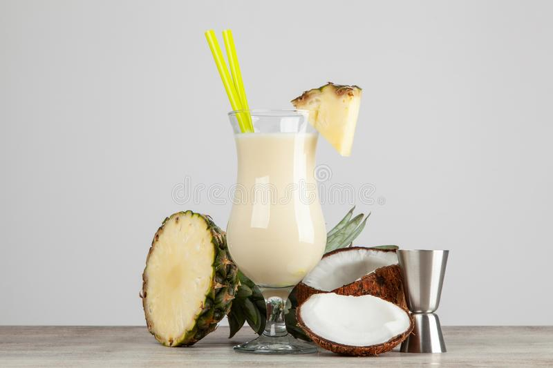 Pina Colada Cocktail images stock