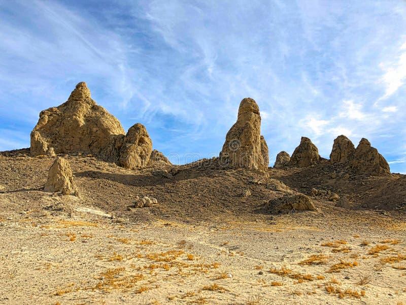 Pinacles do Trona, não longe do parque nacional de Vale da Morte imagens de stock