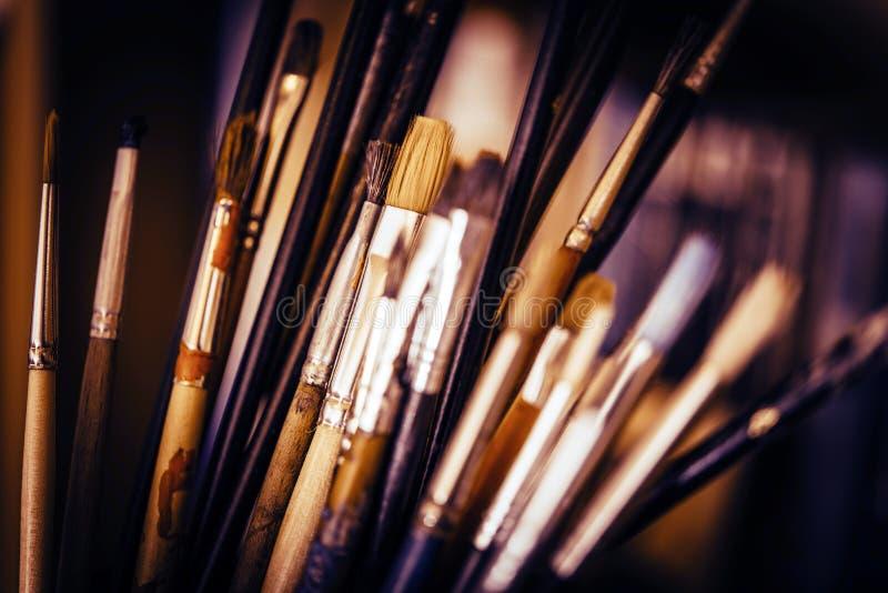 Pincéis da pintura a óleo imagens de stock