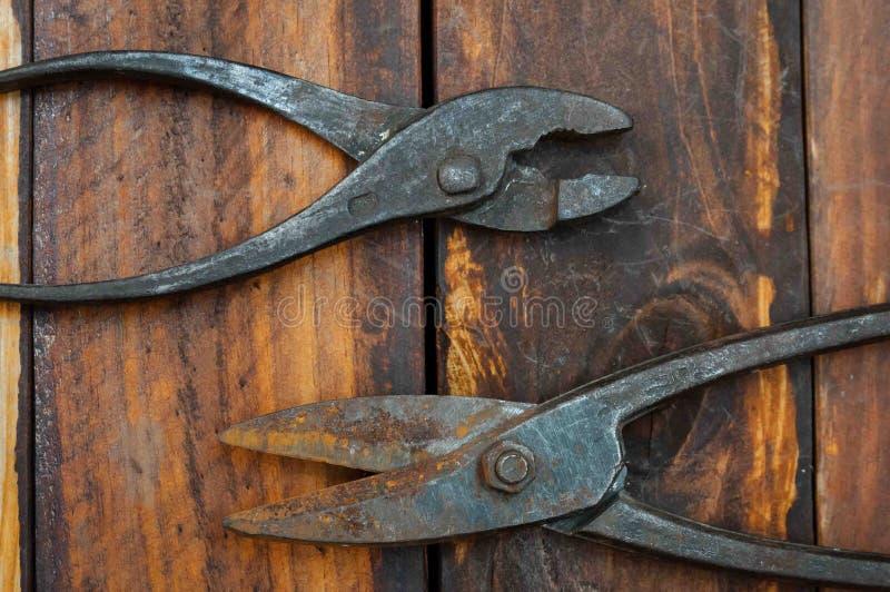 Pinces et ciseaux pour le métal photo libre de droits