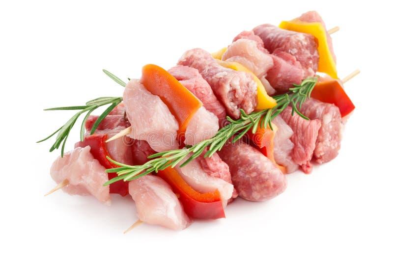 Pinchos de la carne sin procesar imágenes de archivo libres de regalías