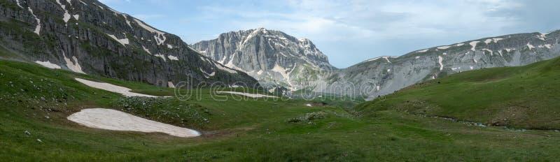 Pindus bergskedja i Grekland arkivbild