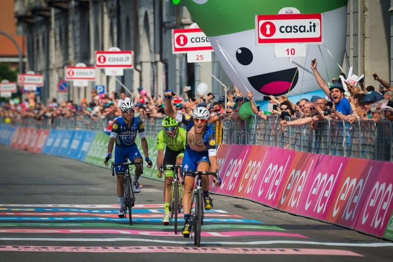 Pinerolo, Włochy Maj 26, 2016; Matteo Trentin wygrywał scenę Giro D'Italia 2016 od Muggià ² Pinerolo fotografia royalty free