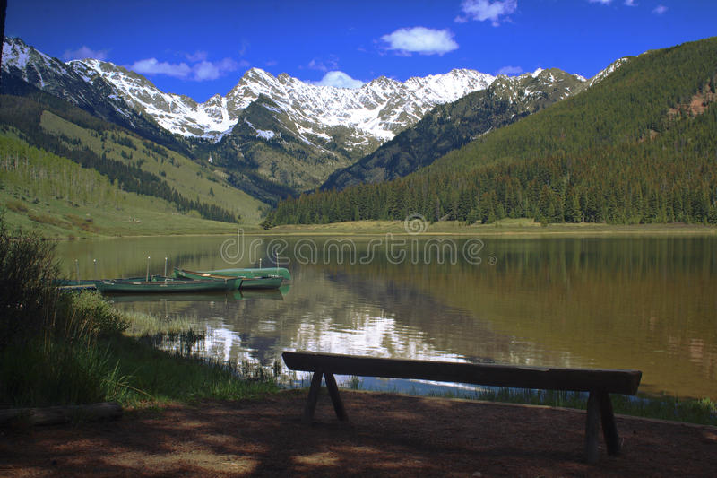 piney lake royaltyfri bild
