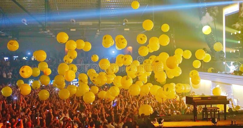 Ping Pong em Armin Only Kiev fotos de stock royalty free