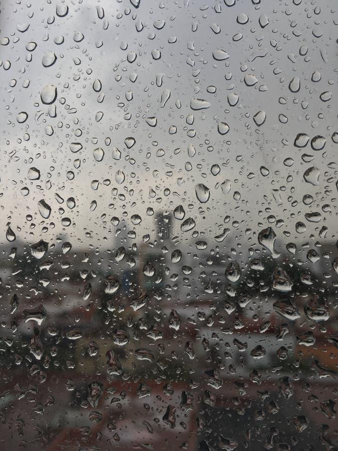 Pingos de chuva de México na janela fotos de stock