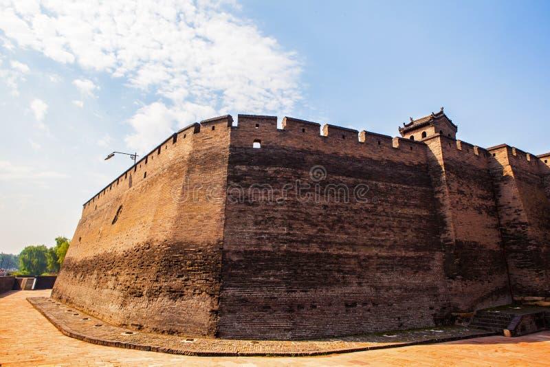 Pingyao scène-poort toren en stadsmuur royalty-vrije stock foto's