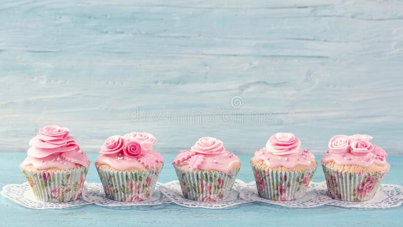 Pink  cup cakes royalty free stock photos