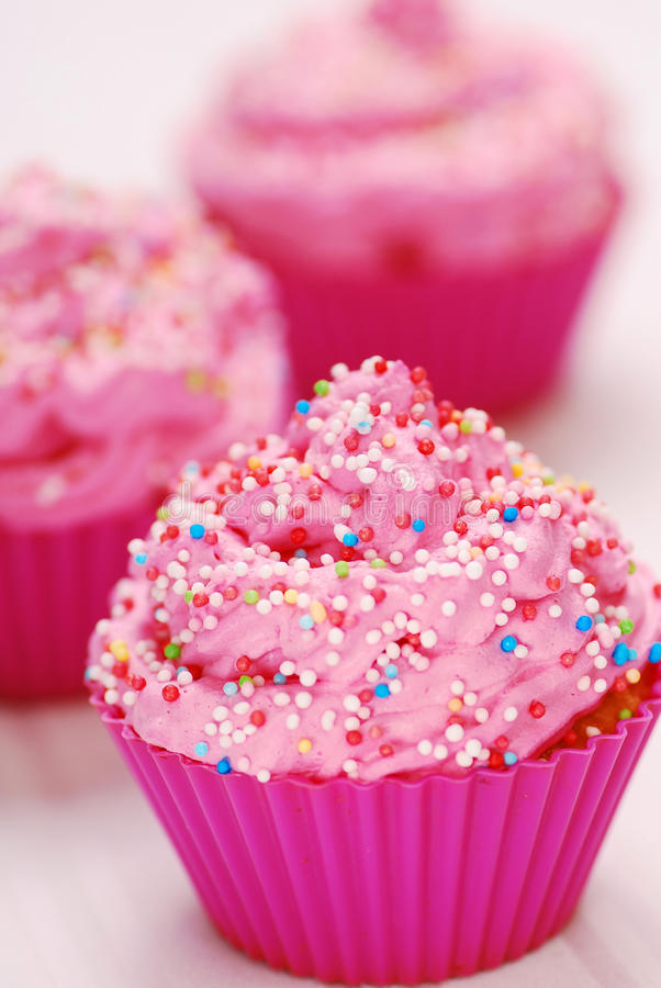 Free Pink Cupcakes Stock Photo - 13828130