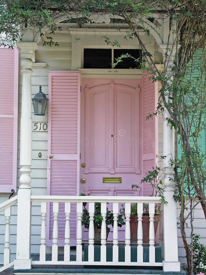 Free Pink Door Royalty Free Stock Photography - 851487