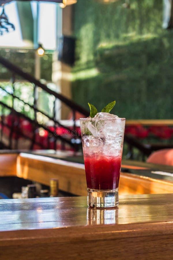 Pink Fizz Cocktail stockfotos