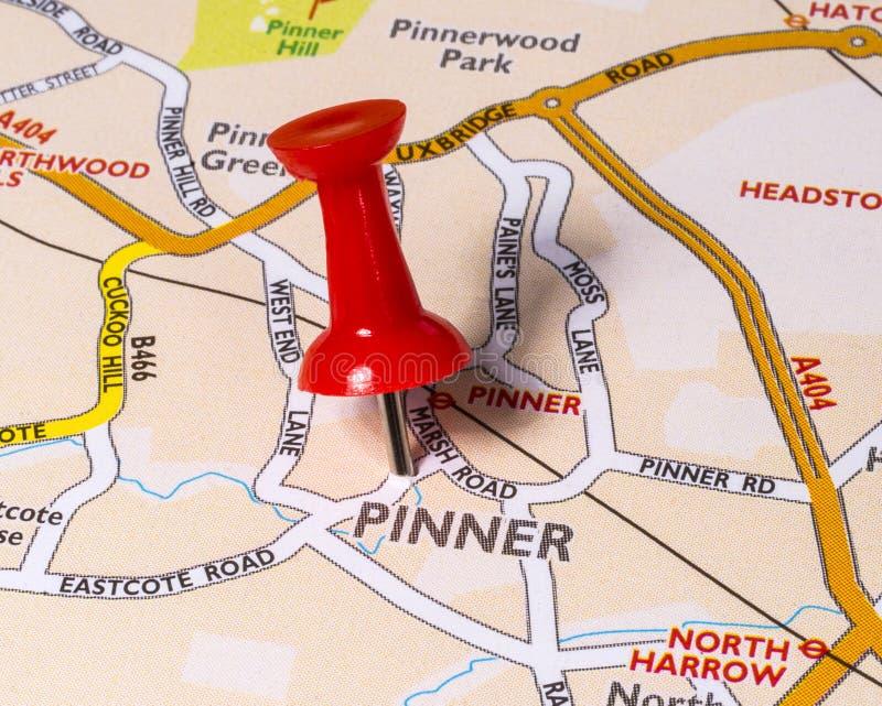 Pinner en un mapa del Reino Unido imagen de archivo