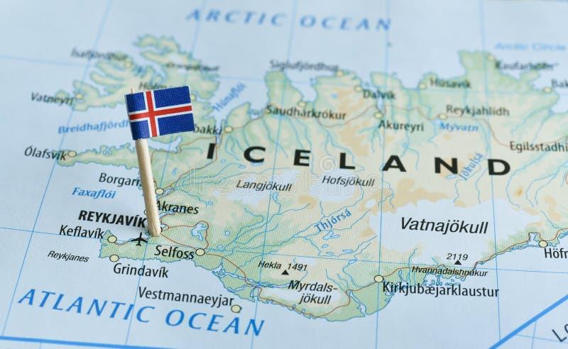 Pino da bandeira do mapa de Islândia