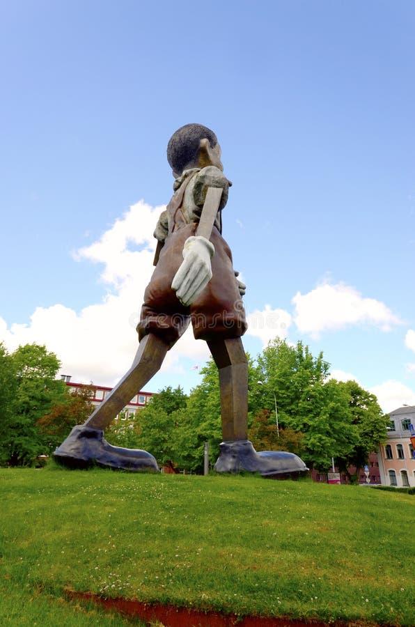 старинная скульптура пиноккио фото бархат вельвет