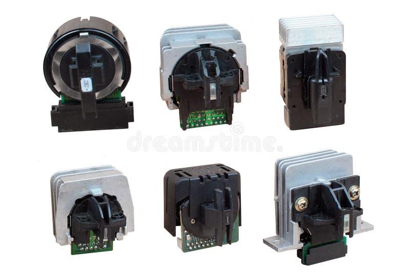 9 pinos velho e 24 cabeça de impressão da impressora de matriz do ponto do pino, isolados contra o fundo branco imagem de stock