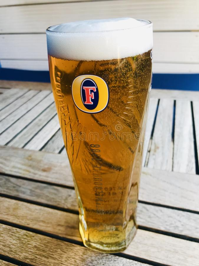 PINT BEER GLASS B//N FOSTERS 2017