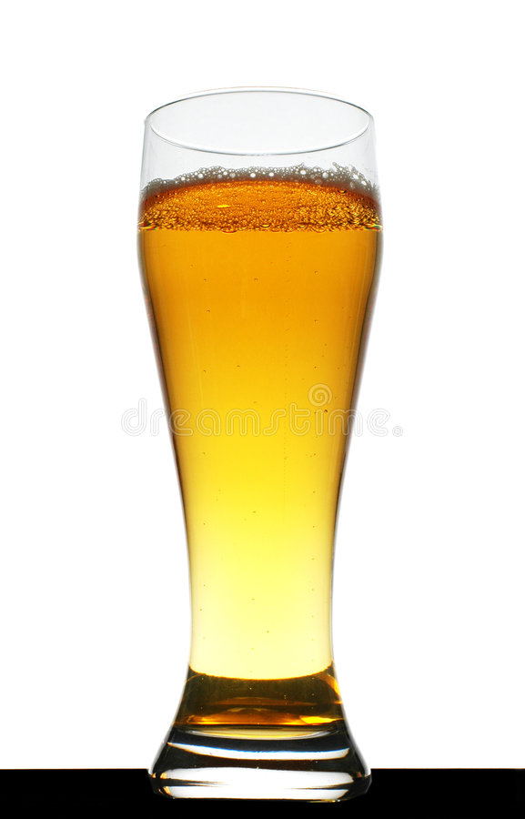Pint goldenes Bier lizenzfreie stockfotografie