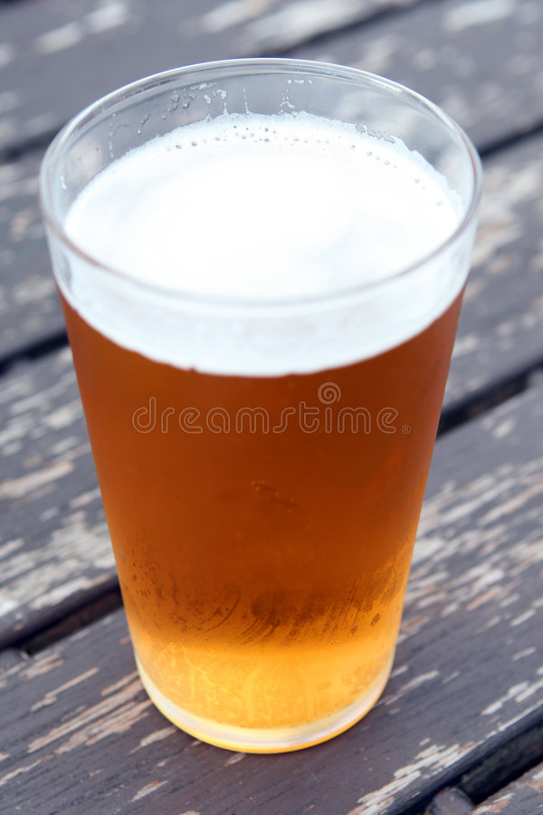 Free Pint Of Beer Stock Photo - 997380