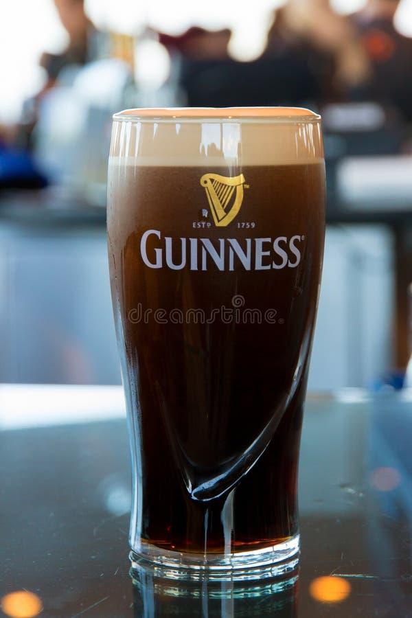 Pinta de cerveza del irlandés de Guinness foto de archivo libre de regalías