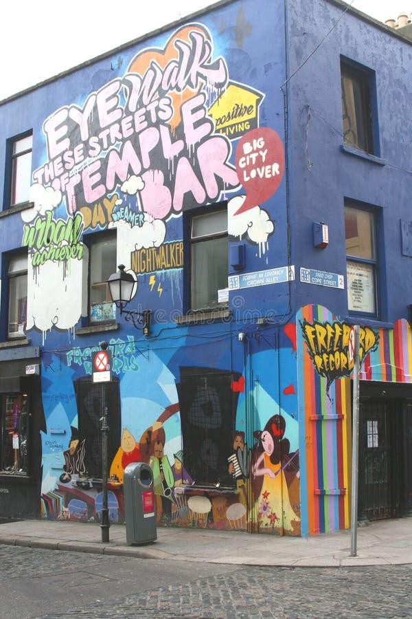 Pintada en distrito de la barra del templo en Dublín imagen de archivo libre de regalías