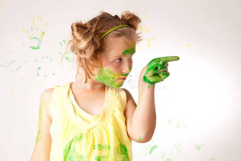 A pintura é divertimento para crianças imagens de stock