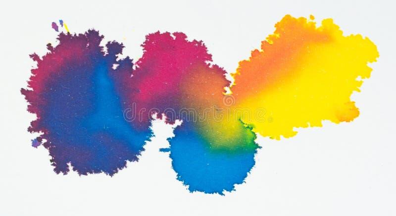 Pintura acrílica colorida e gota de cor de água da tinta no Livro Branco t ilustração do vetor
