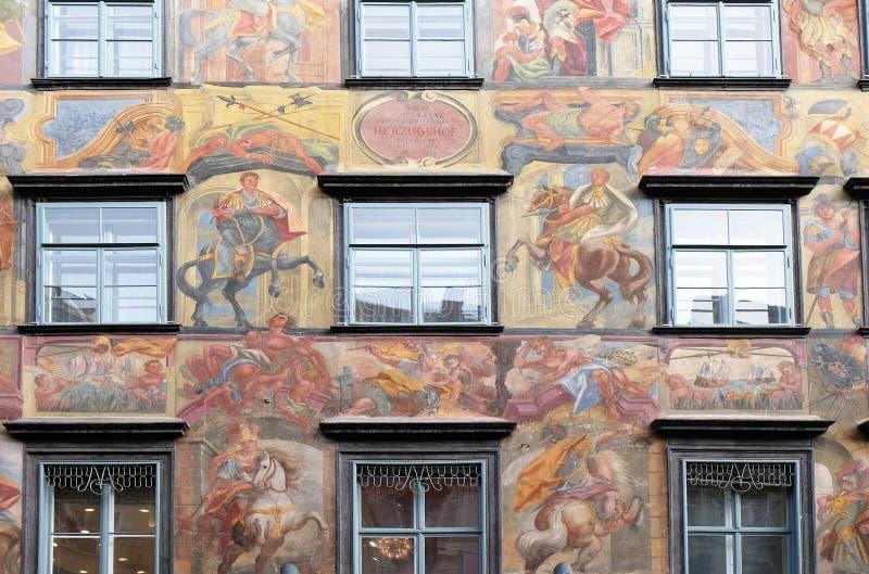 Pintura barroco da fachada no Grazer Herrengasse em Graz foto de stock royalty free