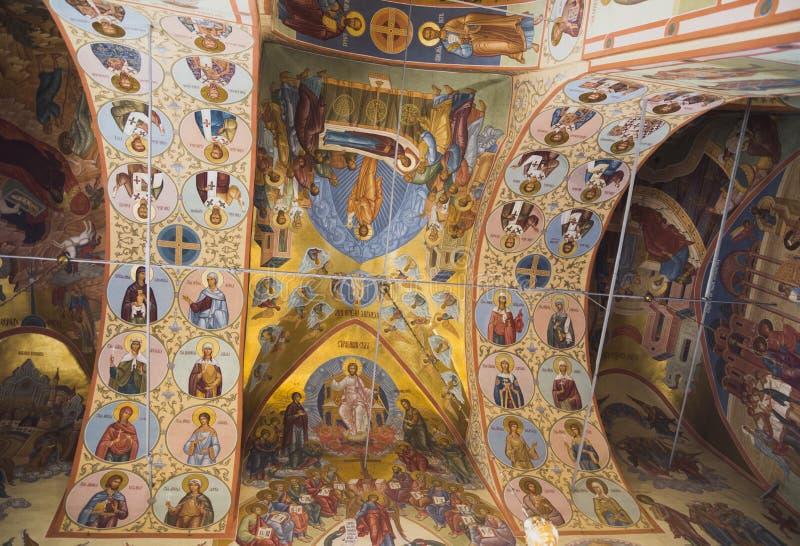 Pintura bonita da fé da igreja nas paredes fotos de stock royalty free