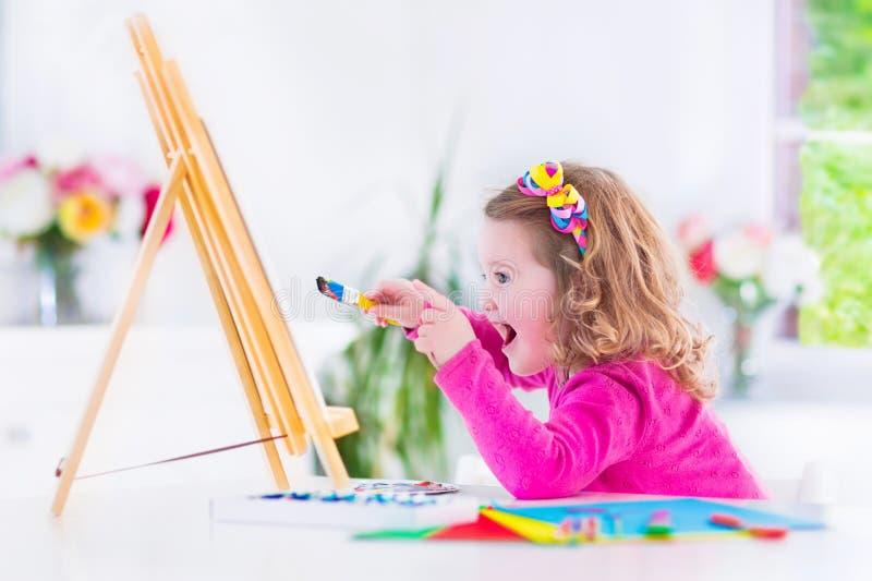 Pintura da menina fotografia de stock royalty free