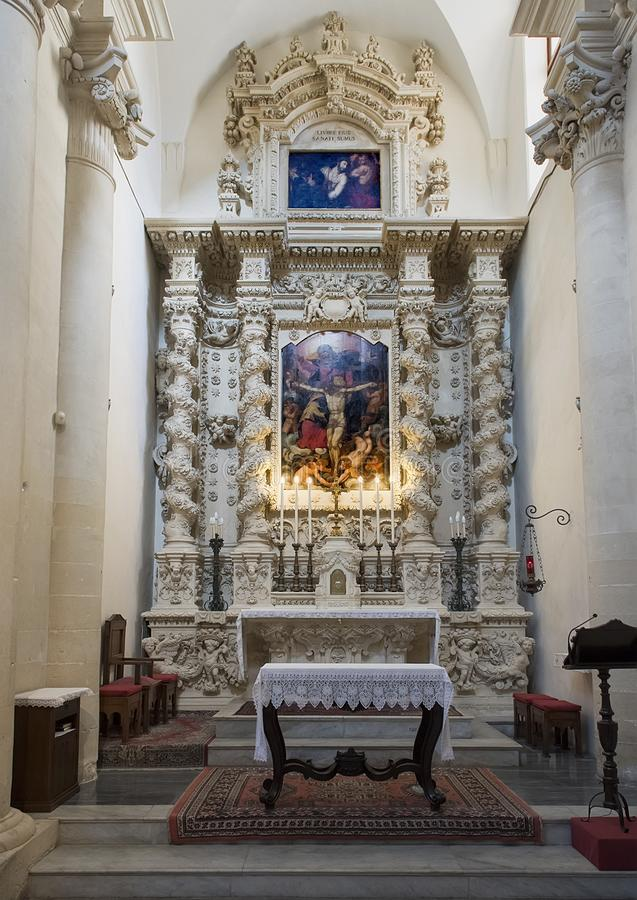 Pintura de Jesús sobre uno de los altares, di Santa Croce de la basílica fotos de archivo libres de regalías