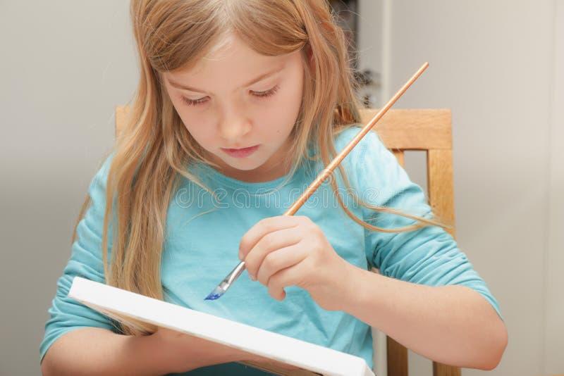 Pintura de la muchacha foto de archivo libre de regalías