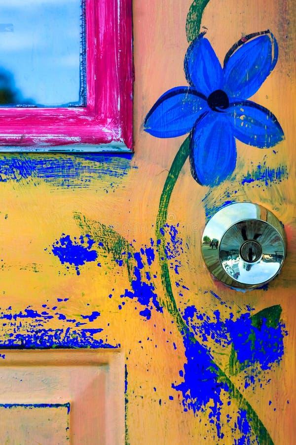 Download Pintura de la puerta foto de archivo. Imagen de shapes - 41906086