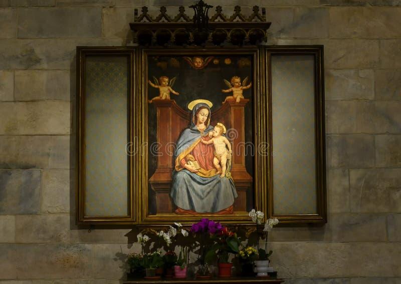 Pintura de Maria que cuida a Jesús dentro de Milan Cathedral, la iglesia de la catedral de Milán, Lombardía, Italia fotos de archivo libres de regalías
