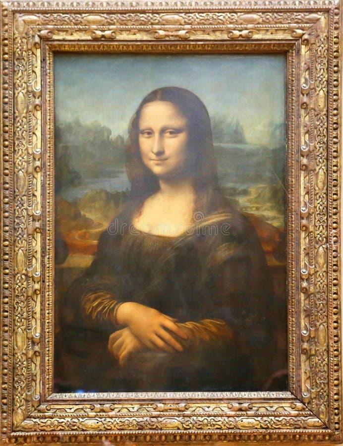 A pintura de Mona Lisa de Leonardo Da Vinci no Louvre imagem de stock